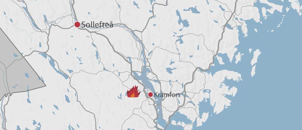 En karta över delar av Västernorrland där Kramfors och Sollefteå finns markerade samt en symbol för en eld.