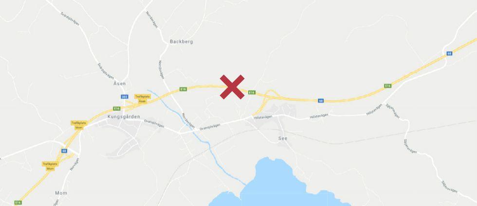 Bilden visar en karta över området vid Kungsgården med ett rött kryss som märker ut var olyckan tagit plats.