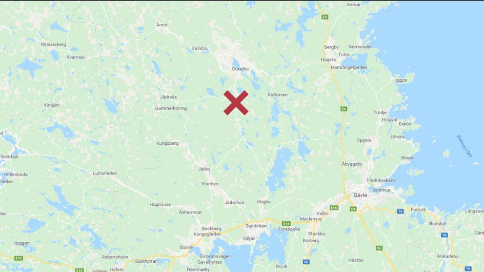 Karta över Bollnäs med MC-olyckan utmarkerad med ett rött kryss.