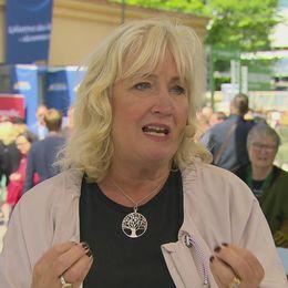SVT:s utrikeskommentator Erika Bjerström hoten mot demokratin.