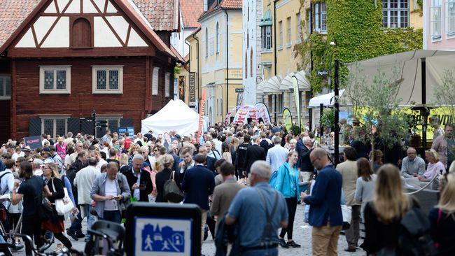 biblioteket östersund öppettider dagg vas höjd byta däck uppsala billigt  Spela 8509650eb82e0