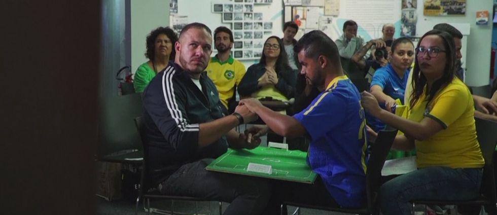 Så upplever dövblinda Carlos fotbolls-VM