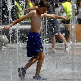I juni månad uppmättes extrema temperaturer på många håll i Europa men juni 2016 var varmare i genomsnitt.