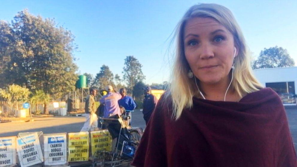 SVT:s reporter Liselott Lindström i Harere, Zimbabwe.