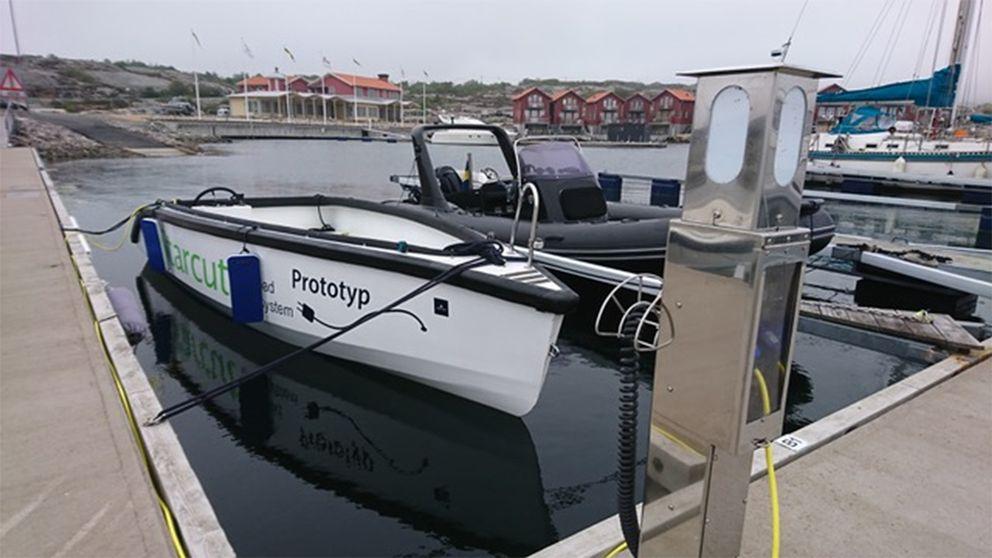 Intresset för eldrivna båtar ökar och även utbyggnaden av laddningstationer på bryggor.