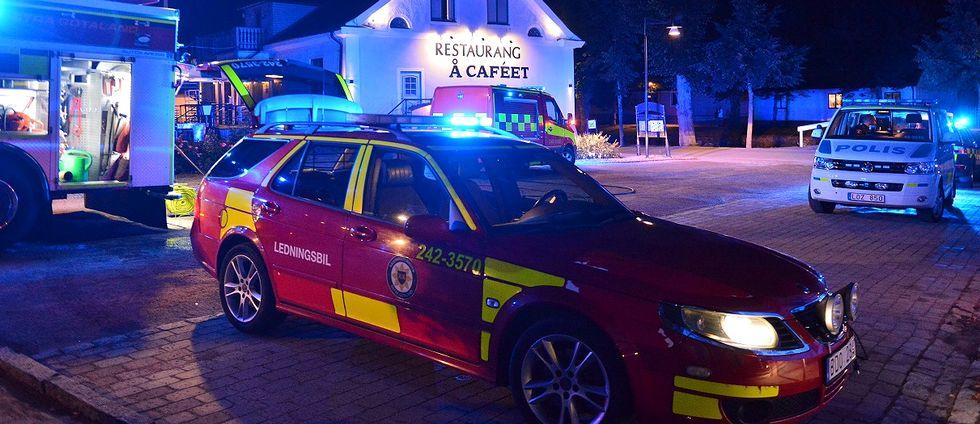 En restaurang längs kanalen i Söderköping eldhärjades natten till lördag.