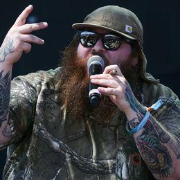 Amerikanska rapparen Action Bronson syns ofta med en joint i handen