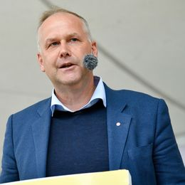 Jonas Sjöstedt (V) håller tal under Vänsterns dag i Almedalen