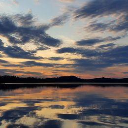 Sommarkväll den 15/8 vid sjön Norrälgen i Hällefors