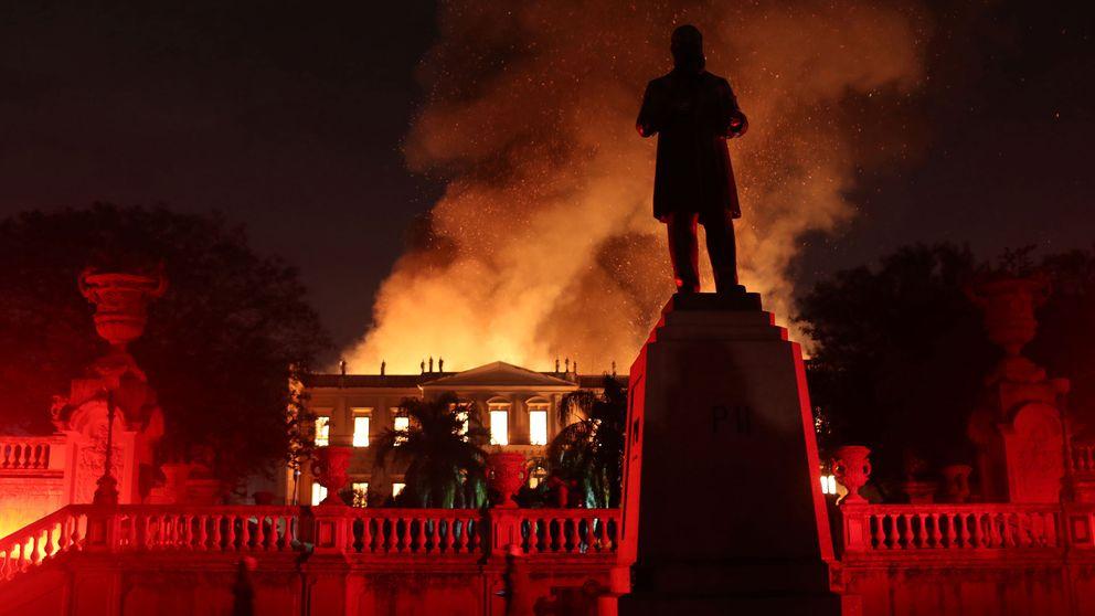Nationalmuseum i Brasilien under branden