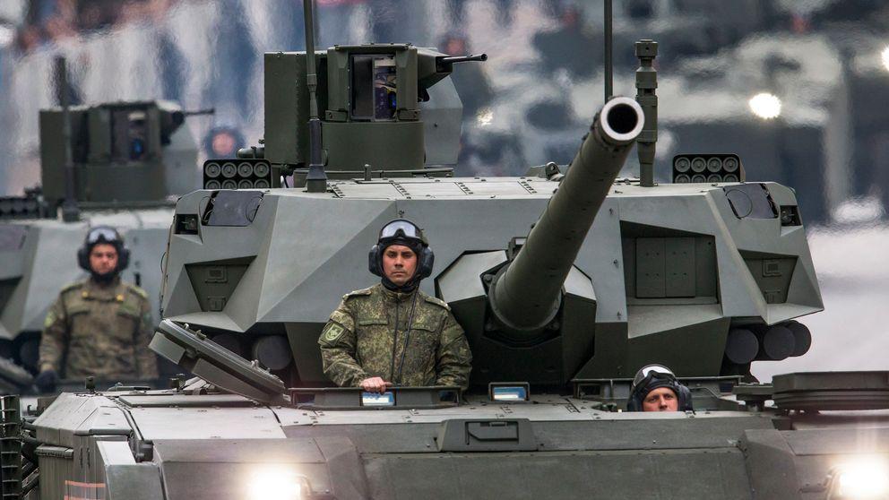 Nya stridsvagnen Armata T-14 visas upp på Röda Torget i maj 2018