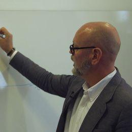 Anders Anderson på Swedish House of Finance förklarar vad en finansbubbla är.