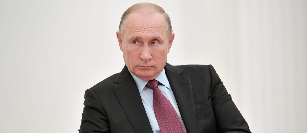 Rysslands president Vladimir Putin ser nu hur det gått knackigt för flera Kremltrogna kandidater i regionvalet i landet.