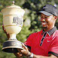 Tiger Woods avslutade med par på hål 18 på sista rundan – och säkrade därmed segern i Atlanta, Georgia.