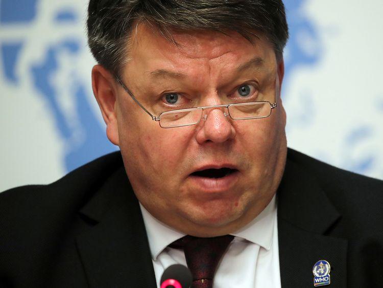 Chefen för World Meteorological Organization (WMO), Petteri Taalas, håller tal