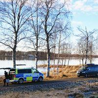 Polisen sökar av ett område i Kalix i samband med det misstänkta styckmordet i Kalix.