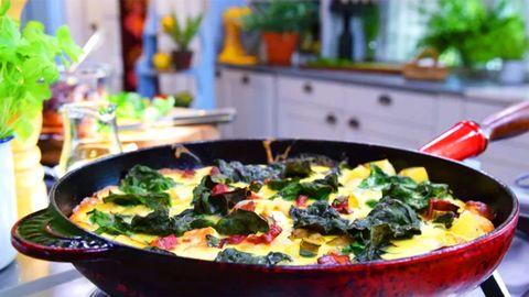 enkel omelett i stekpanna