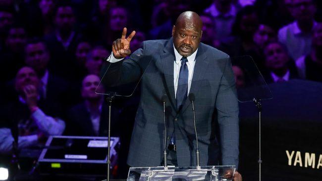 Mitt i minnesceremonin – Shaquille ONeal får hela Staples Center att skratta