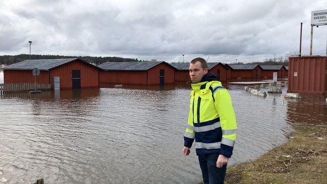 Översvämning i Nyköping – bodar står i vatten