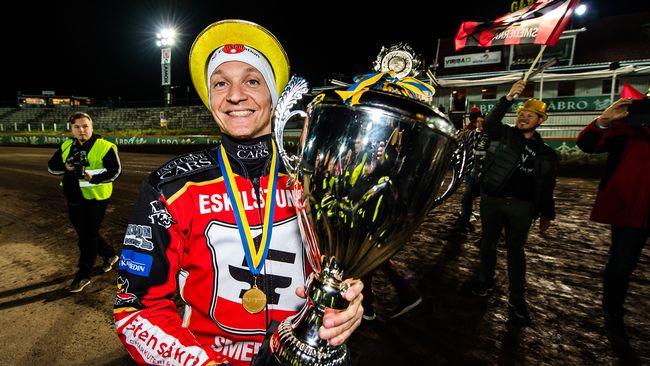 Fredrik Lindgren flyttar till Polen – kontraktet klart