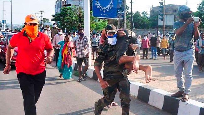 Hundratals skadade efter gasläcka i Indien