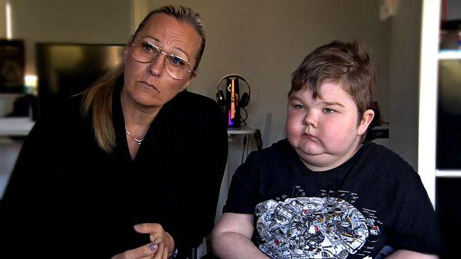 Max, 12, lider av ovanlig muskelsjukdom – nu stoppas hans medicin