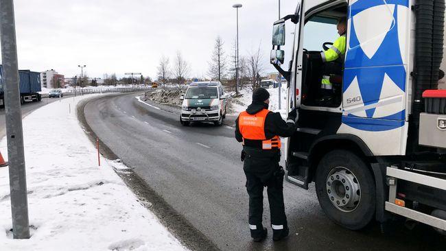 Gränsen mot Sverige hålls fortfarande stängd