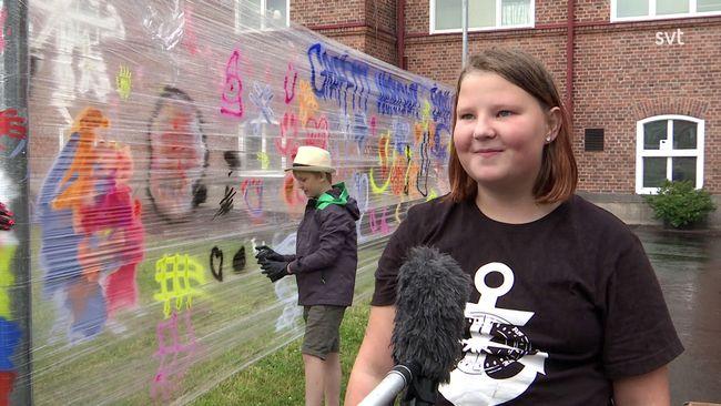 """Här får Filipstads unga testa graffiti: """"Jag målar mest kärlek"""""""