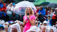 Sanna Nielsen med paraply