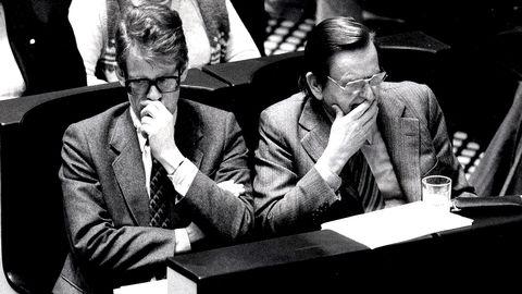 Ingvar Carlsson och Olof Palme i Riksdagen i Stockholm, 2 februari, 1983.