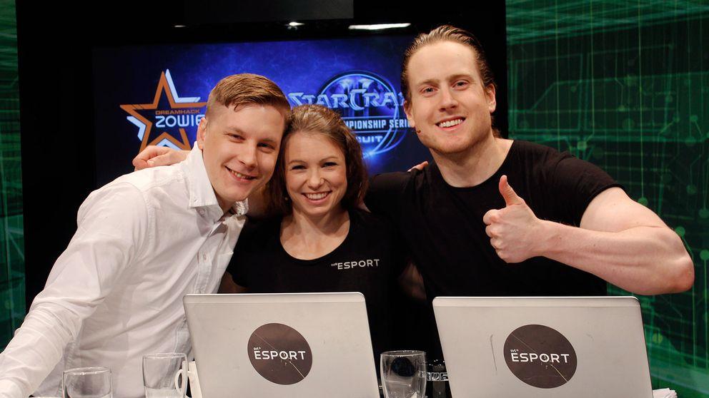"""Petter Sjöstrand, Madeleine """"Maddelisk"""" Leander och Tom """"Endars"""" Bramler i SVT:s E-sport studio."""