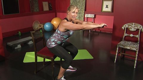 Sofia Åhman visar övning.