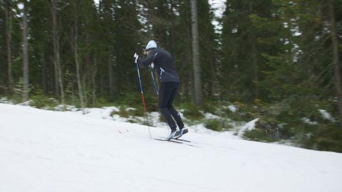 Mattias visar tre olika växlar på stakning, stakning i backe, på raksträcka och i lätt nedförsbacke.