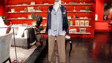 Docka 1: Blå skjorta, H&M. Byxor, BikBok. Jacka, KappAhl.