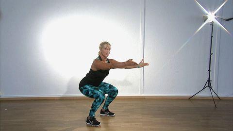 Sofia Åhman visar knäböj