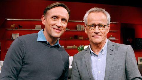 två män i studion