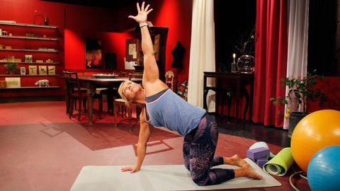 Sofia Åhmans yogaövningar.