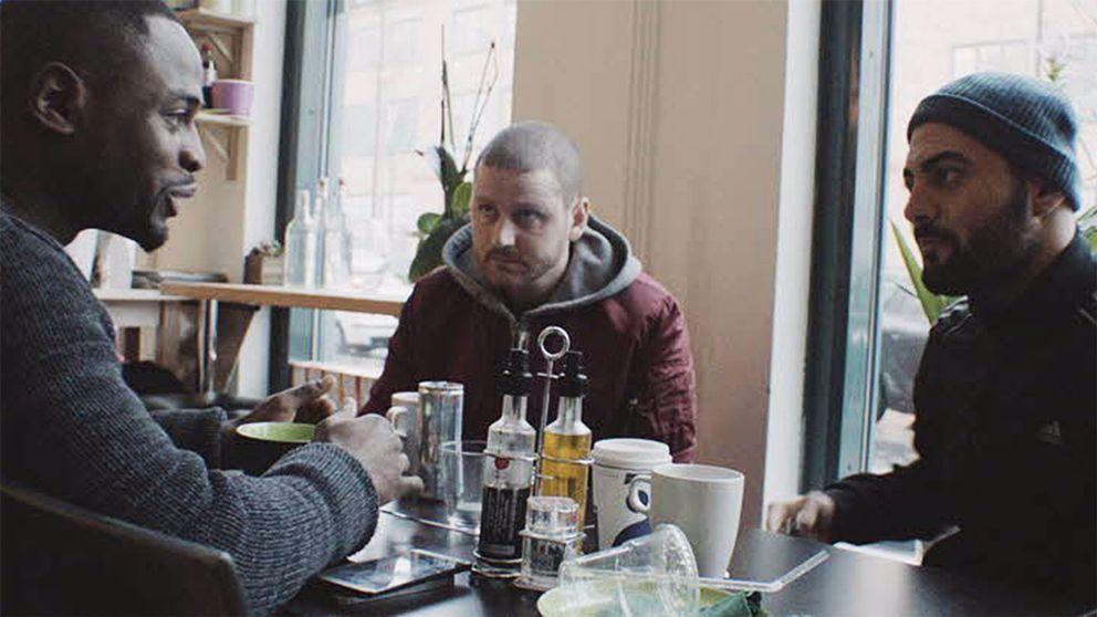 Filmen Måste Gitt handlar om en småkriminell kille från Jordbro som har en dröm om ett annat liv.
