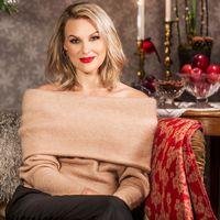 Sanna Nielsen är årets julvärd i SVT.