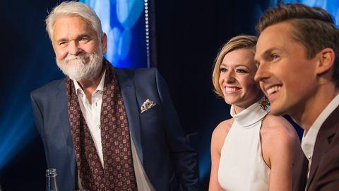 Bild på Hasse Andersson, Clara Henry och David Lindgren som är klara som programledare för Melodifestivalen 2017.
