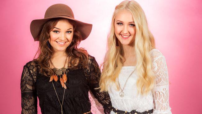 "Bild på Bella & Filippa, som sjunger ""Crucified"" i Melodifestivalen2017."