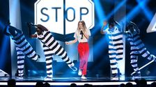 """Bild på Ace Wilder när hon uppträder med """"Busy Doin' Nothing"""" i Melodifestivalen 2014."""