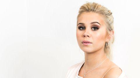 "Lisa Ajax sjunger ""I Don't Give a"" i Melodifestivalen 2017."
