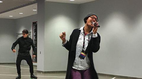Etzia gör debut i Melodifestivalen med bidraget Up.