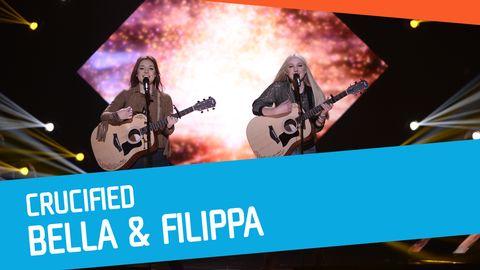 "Se Bella & Filippa sjunga ""Crucified"" i Melodifestivalen 2017."
