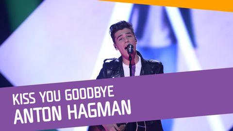 "Se Anton Hagman sjunga ""Kiss You Goodbye"" i Andra chansen."