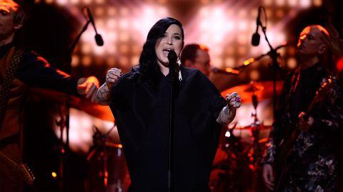 Se Shirin och Damn! framföra Frans vinnarbidrag från Melodifestivalen 2016.