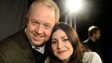Bild på Anders Jansson och Nour El Refai, programledare för Melodifestivalen 2014.