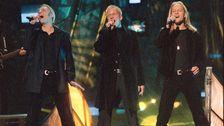 """Gruppen Blond med Jonas Karlhager, Gabriel Forss och Patrik Lundström vann Melodifesitvalen 1997 med """"Bara hon älskar mig""""."""