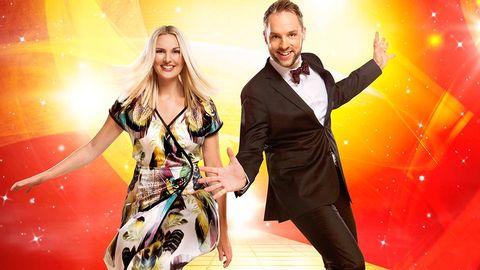 Sanna Nielsen och Robin Paulsson, programledare för Melodifestivalen 2015.